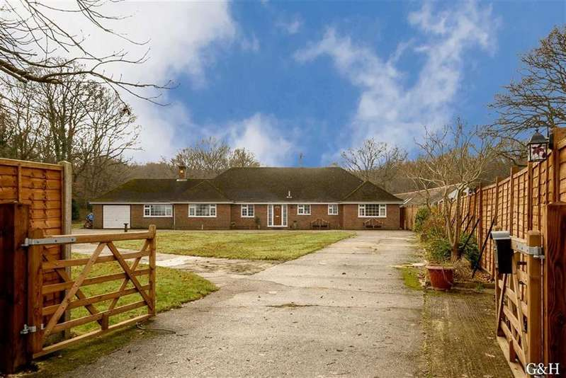 4 Bedrooms Detached Bungalow for sale in Hornash Lane, Kent