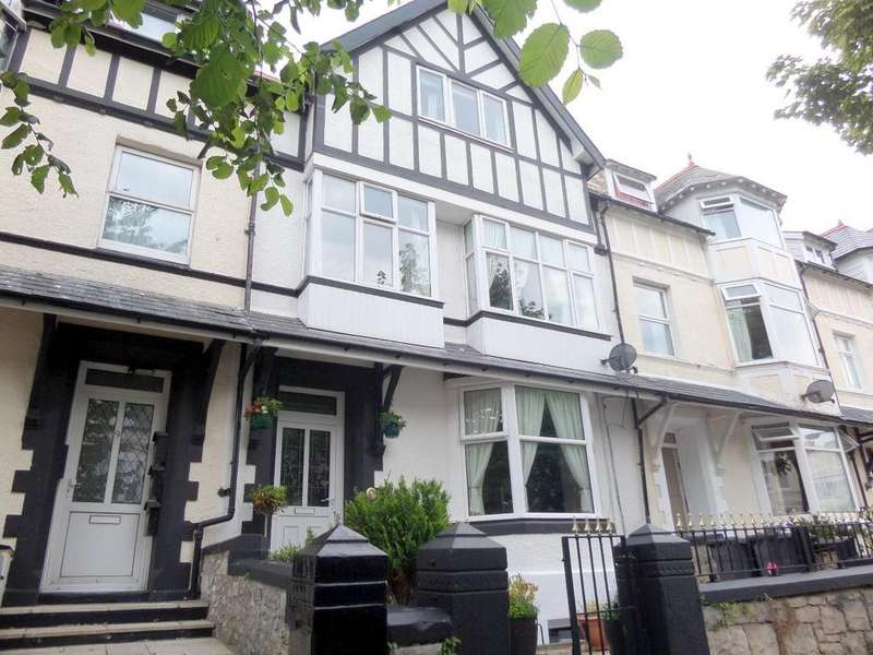 5 Bedrooms Terraced House for sale in Charlton Street, Llandudno