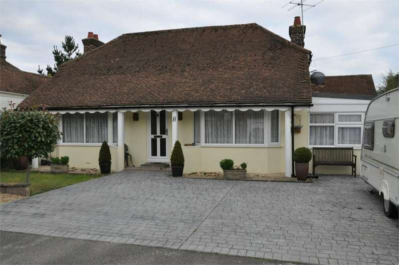 2 Bedrooms Detached Bungalow for sale in The Byeway, Little Common, Bexhill-On-Sea