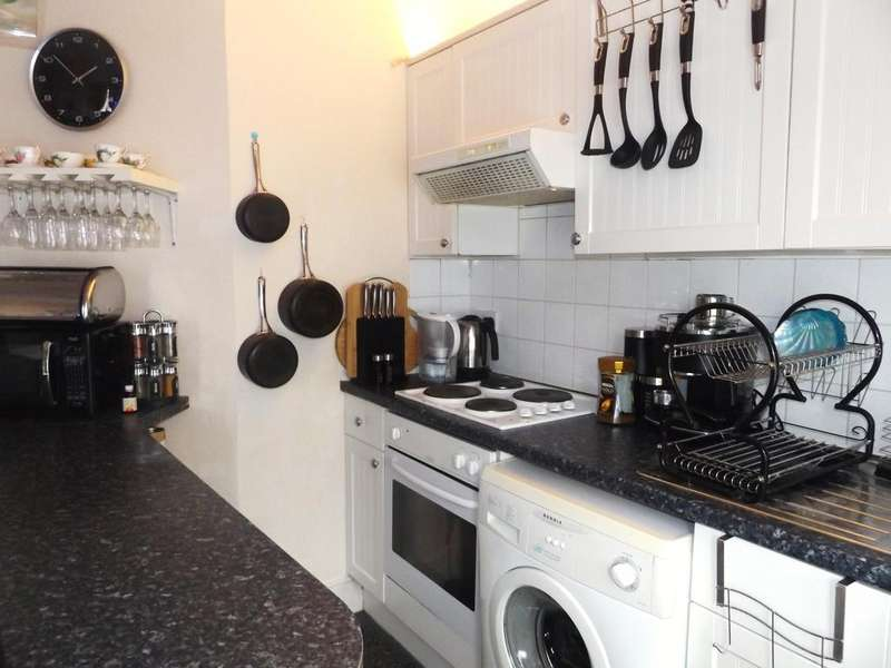 1 Bedroom Flat for sale in London Road, Tooting SW17