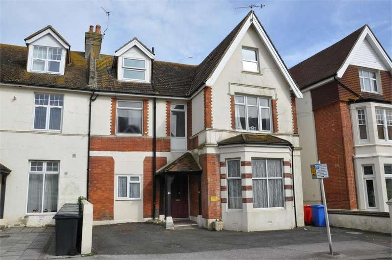 2 Bedrooms Flat for sale in Eversley Road, Bexhill on Sea