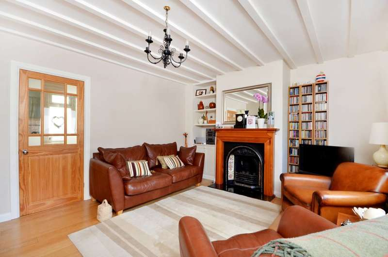 3 Bedrooms House for sale in Gloucester Road, Guildford, GU2