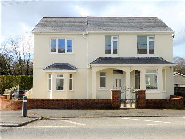 5 Bedrooms Detached House for sale in Carmarthen Road, CROSS HANDS, Llanelli
