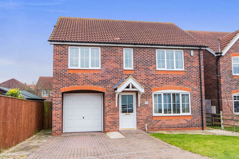4 Bedrooms Detached House for sale in Whitefriars Close, Lincoln, LN2