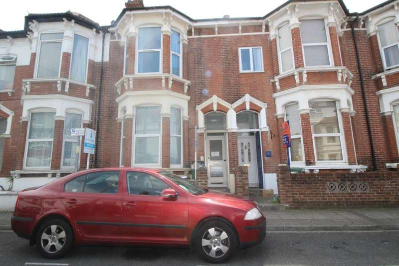 8 Bedrooms Property for rent in Beach Road, Southsea, PO5