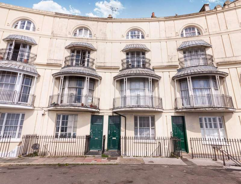3 Bedrooms Flat for sale in Pelham Crescent, Hastings, TN34