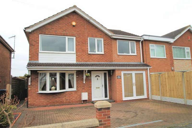 4 Bedrooms Detached House for sale in Denbigh Close, Borras, Wrexham