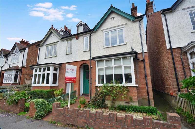 3 Bedrooms Semi Detached House for sale in Lower Road, Chorleywood, Hertfordshire