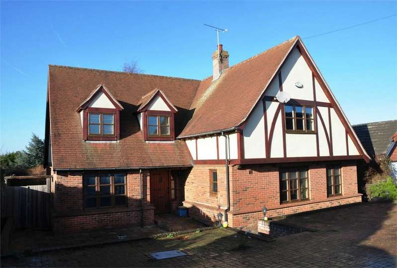 5 Bedrooms Detached House for sale in 19 Stansted Road, Bishop's Stortford