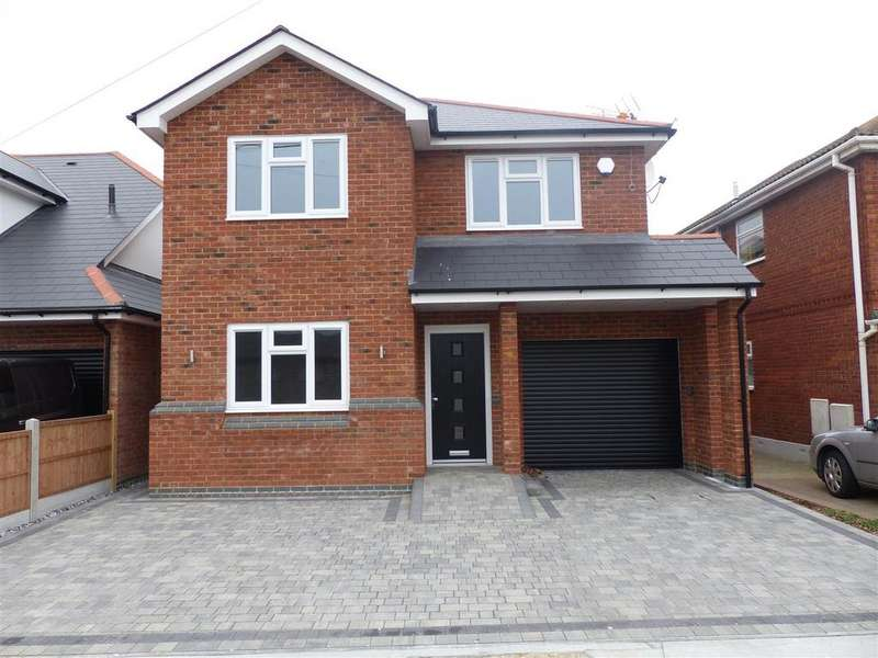 4 Bedrooms Detached House for sale in Clifton Road, Canvey Island