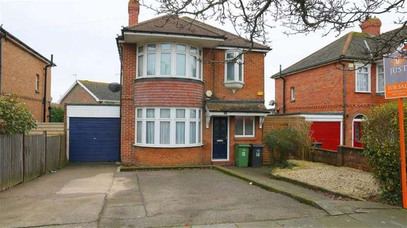 3 Bedrooms Detached House for sale in Ashbrook Road, St Leonards On Sea