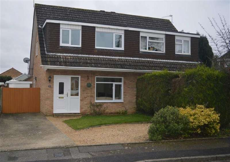3 Bedrooms Semi Detached House for sale in Cockerell Close, Wimborne, Dorset