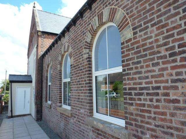 2 Bedrooms Town House for sale in Stanks Methodist Church, Barwick Road, Leeds