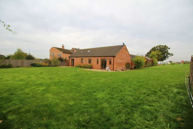 4 Bedrooms Detached House for sale in Rogues Barn Hinckley Fields Farm Rogues Lane, Hinckley, LE10