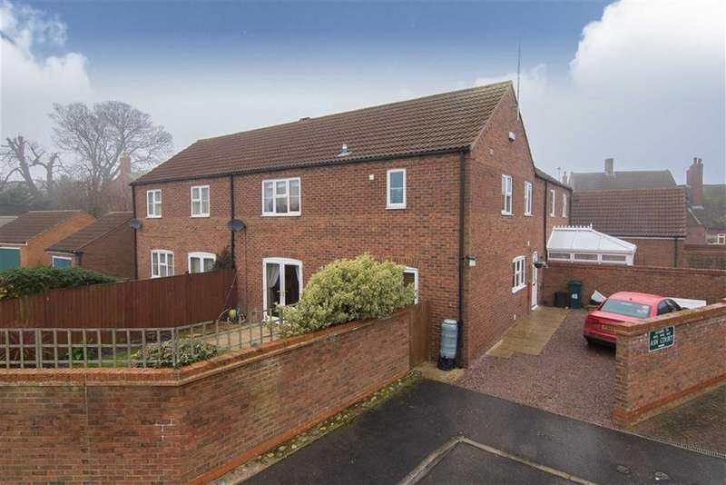 3 Bedrooms Semi Detached House for sale in Ash Court, Donington