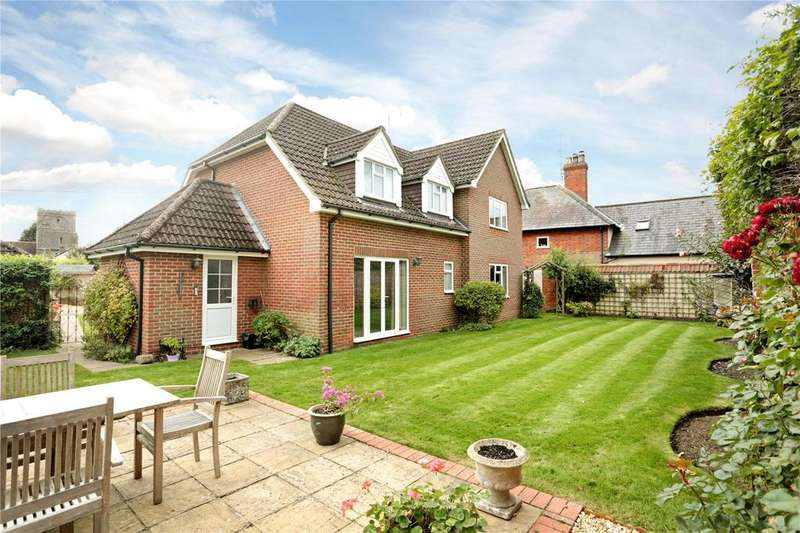 4 Bedrooms Detached House for sale in The Gardens, High Street, Upavon, Pewsey
