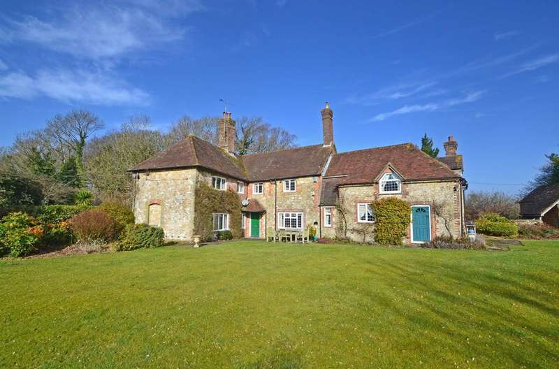 4 Bedrooms Detached House for sale in The Street, Washington, West Sussex, RH20