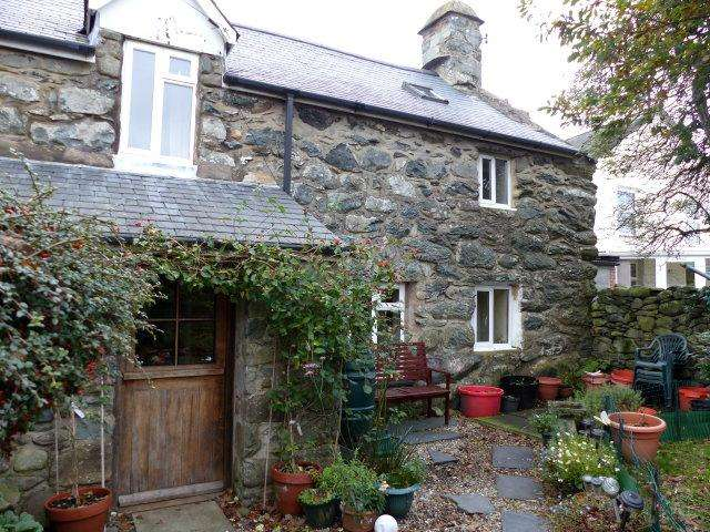 4 Bedrooms Cottage House for sale in Hen Siop, Dyffryn Ardudwy, LL44