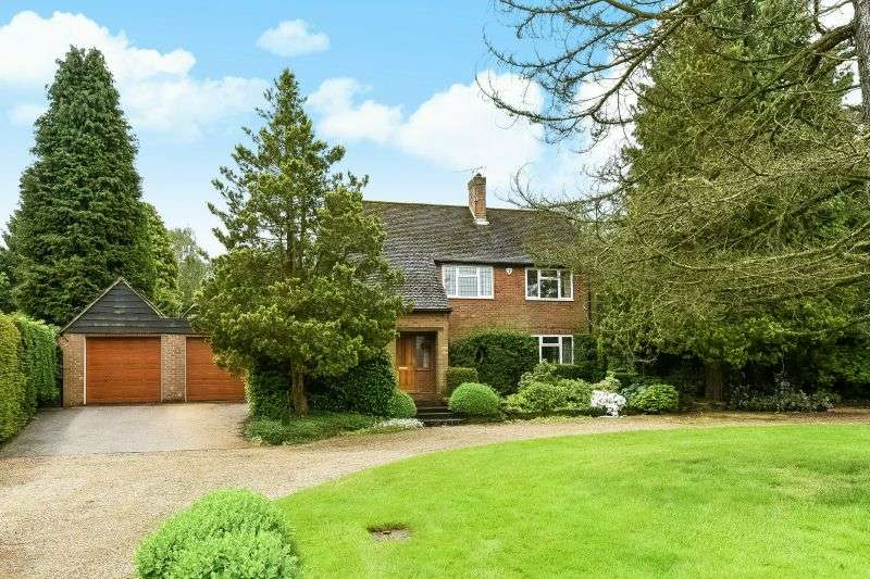 3 Bedrooms Detached House for sale in Redhall Lane, Chandlers Cross, Rickmansworth, Hertfordshire WD3