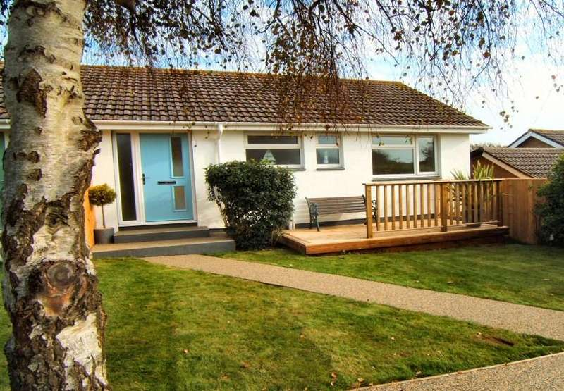 3 Bedrooms Bungalow for sale in Laceys Lane, Niton, Isle of Wight,