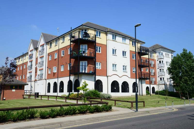 2 Bedrooms Apartment Flat for sale in Long Acre House, Pettacre Close, SE28 0PB
