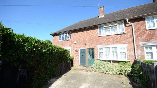 2 Bedrooms Maisonette Flat for sale in Upcroft, Windsor, Berkshire