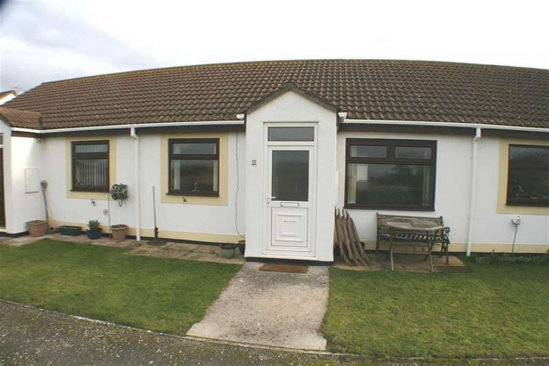 2 Bedrooms Semi Detached Bungalow for sale in Hawthorn House, Knoll Park, Brean