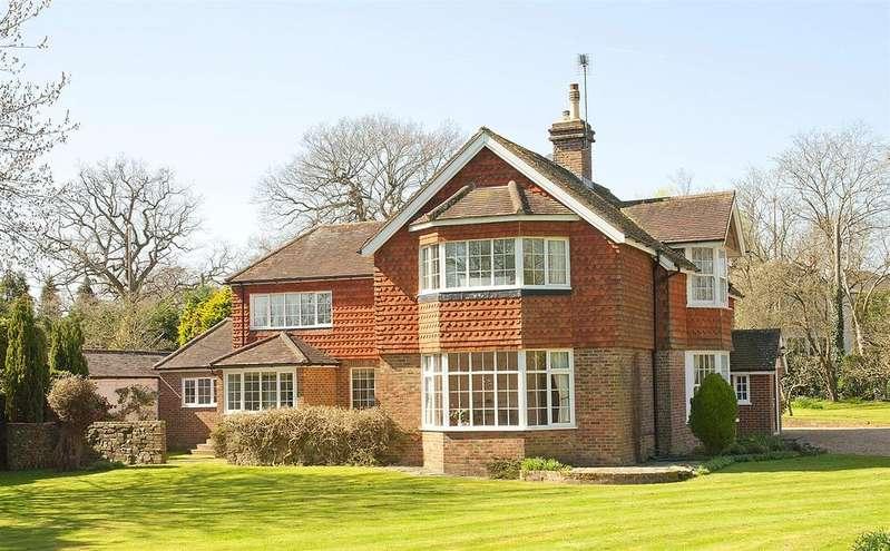 5 Bedrooms Detached House for sale in Hurstwood Lane, Haywards Heath