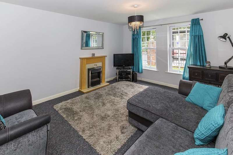 2 Bedrooms Flat for sale in Camsell Court, Middlesbrough, TS5