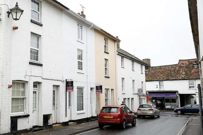 3 Bedrooms Terraced House for sale in Mildenhall