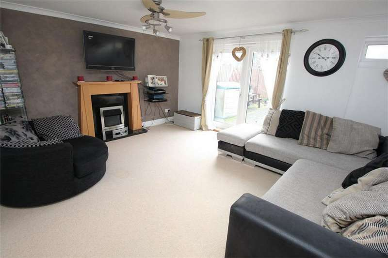 3 Bedrooms Terraced House for sale in Canterbury Way, Stevenage, Hertfordshire