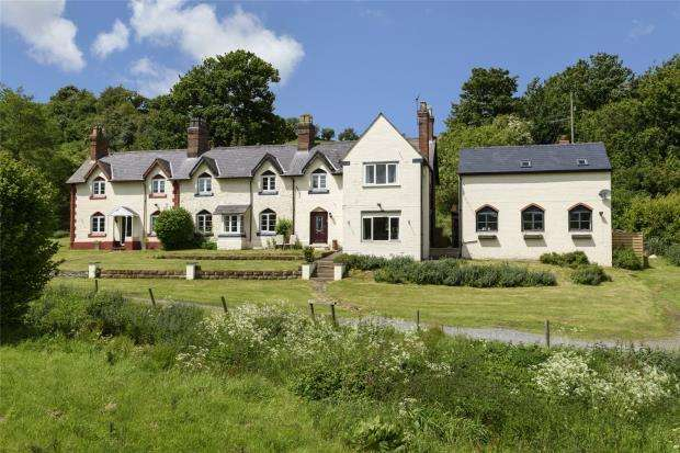 5 Bedrooms House for sale in Brookside, Castle Pulverbatch, Pulverbatch, Shrewsbury