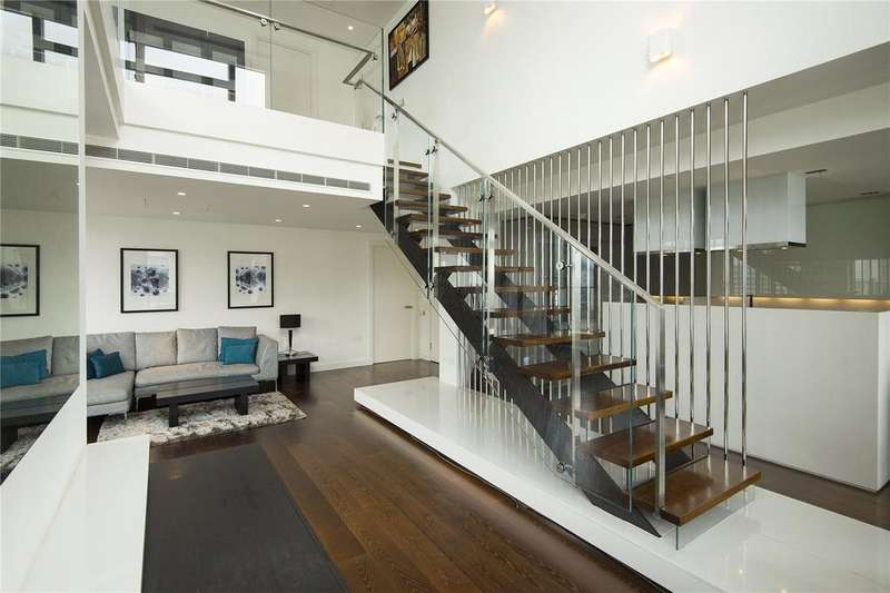 2 Bedrooms Flat for rent in Pan Peninsula Square, London, E14