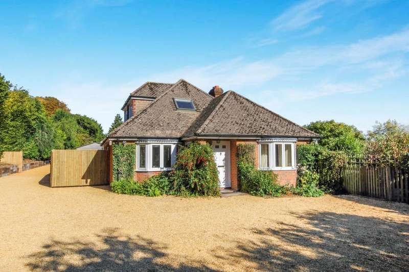 5 Bedrooms Detached House for sale in Woods Lane, Cliddesden