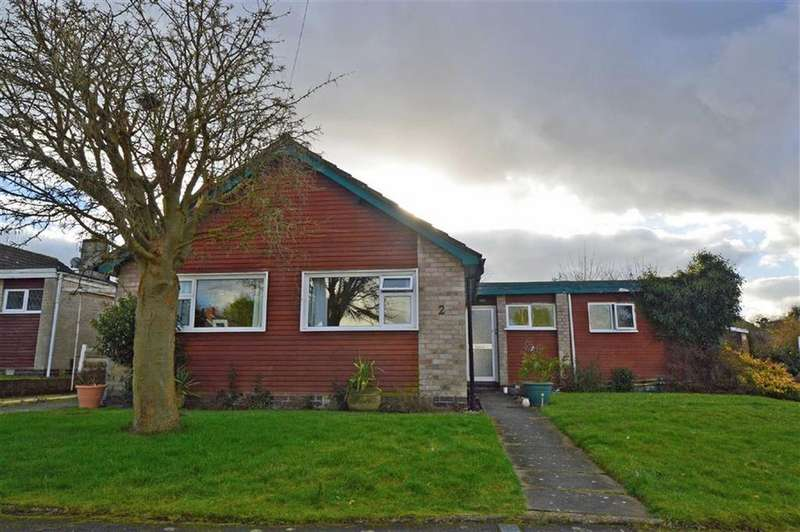 4 Bedrooms Detached Bungalow for sale in Frensham Close, Oadby