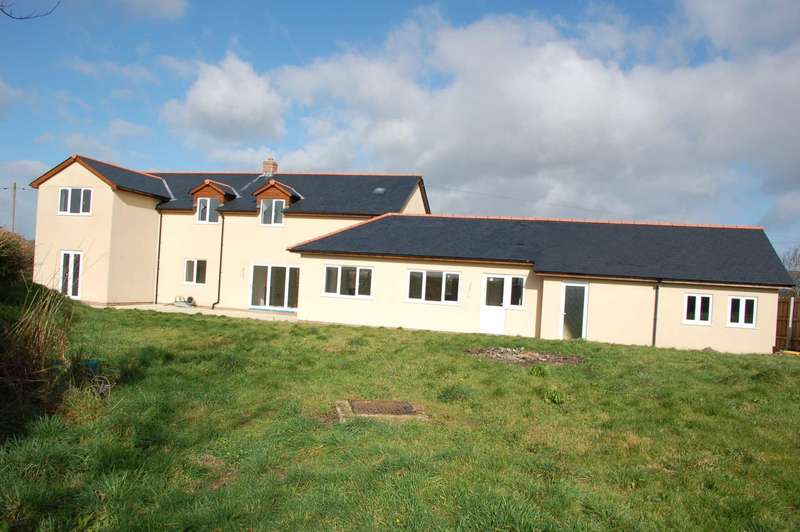 4 Bedrooms Detached House for sale in Box Cottage,Bishop`s Lydeard