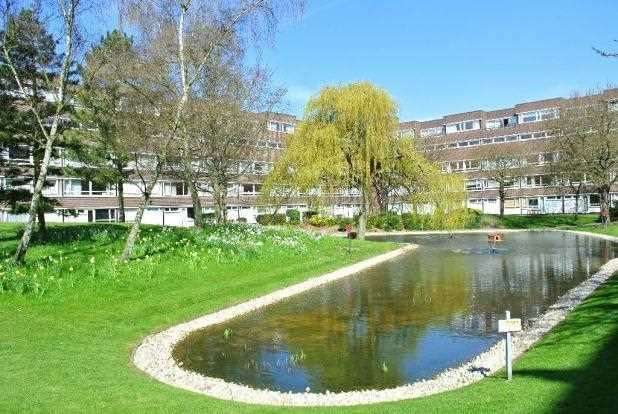 1 Bedroom Property for sale in Lemare Lodge, Fairacres, Bromley