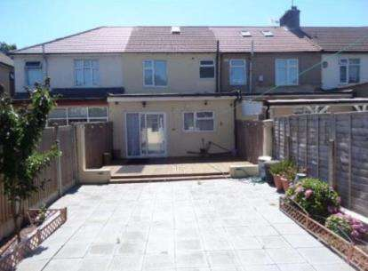 4 Bedrooms Terraced House for sale in Ilford, Essex, Uk