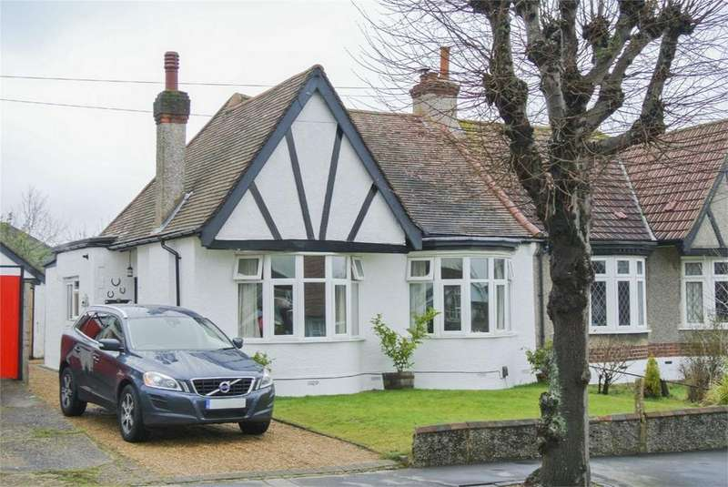 2 Bedrooms Semi Detached Bungalow for sale in Mead Way, Shirley, Surrey