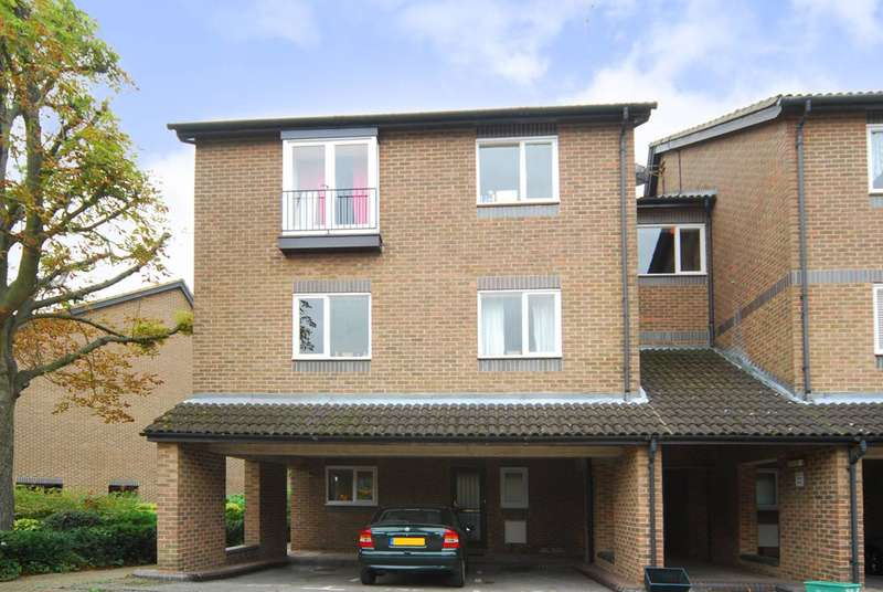 1 Bedroom Flat for sale in Abbeyfields Close, Park Royal, NW10