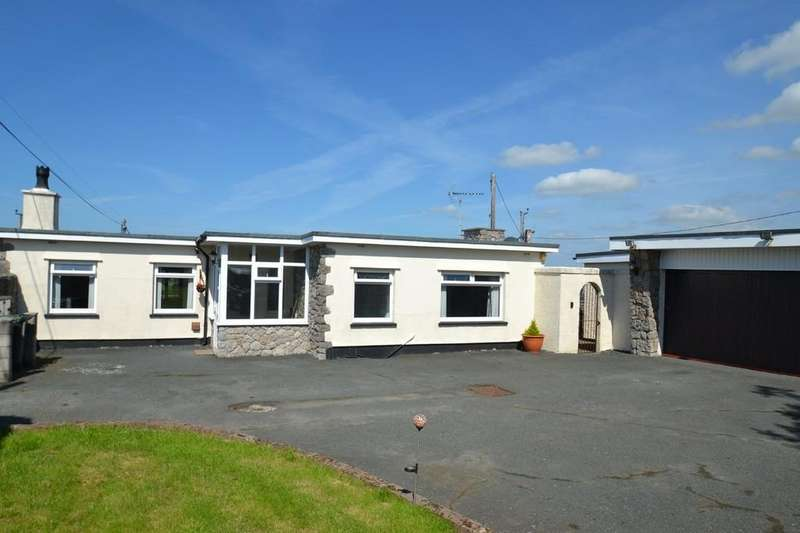 2 Bedrooms Detached Bungalow for sale in Capel Mawr,Bodorgan, North Wales