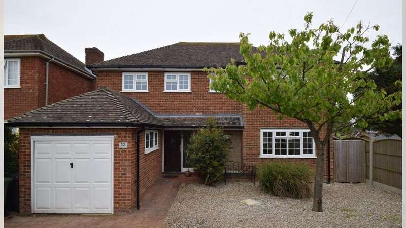 4 Bedrooms Detached House for sale in Shipley Lane, Cooden, Bexhill-On-Sea