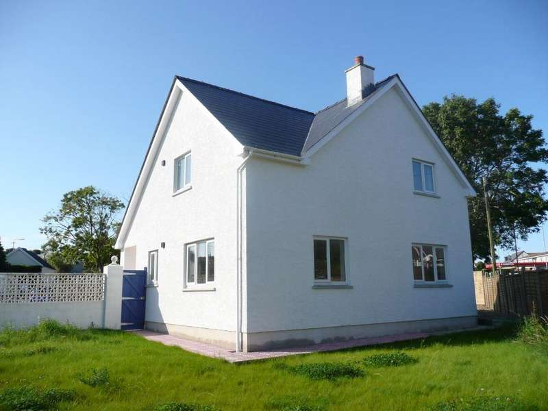 3 Bedrooms Detached House for sale in The New House, Feidr Castell Road, Pendre, Fishguard