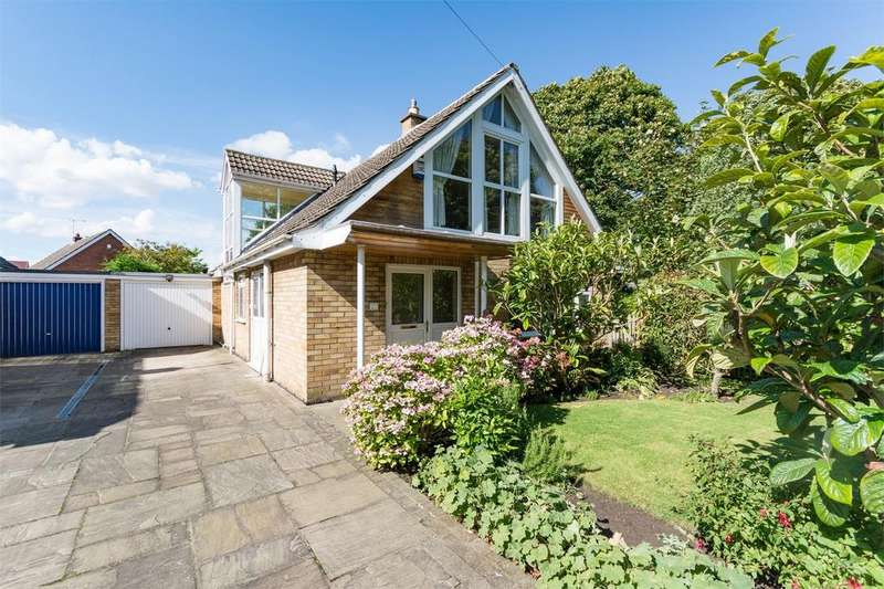 4 Bedrooms Detached House for sale in Pear Tree Lane, Dunnington, YORK