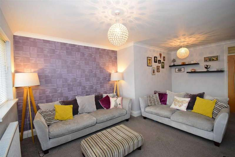 2 Bedrooms Apartment Flat for sale in Carlton Crescent, East Herrington, Sunderland