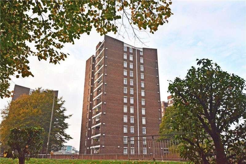 2 Bedrooms Flat for sale in Ellison House, Lewisham Road, Lewisham, London, SE13