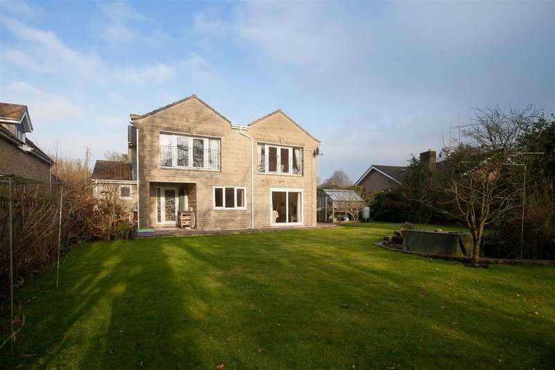 4 Bedrooms Detached House for sale in Fovant