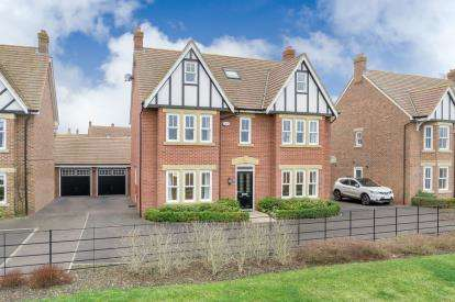 House for sale in Gleneagles Close, Great Denham, Bedfordshire