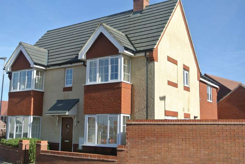3 Bedrooms Semi Detached House for sale in Crump Way, Evesham