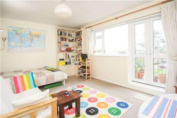 1 Bedroom Studio Flat for sale in Smithwood Close, LONDON, SW19 6JL